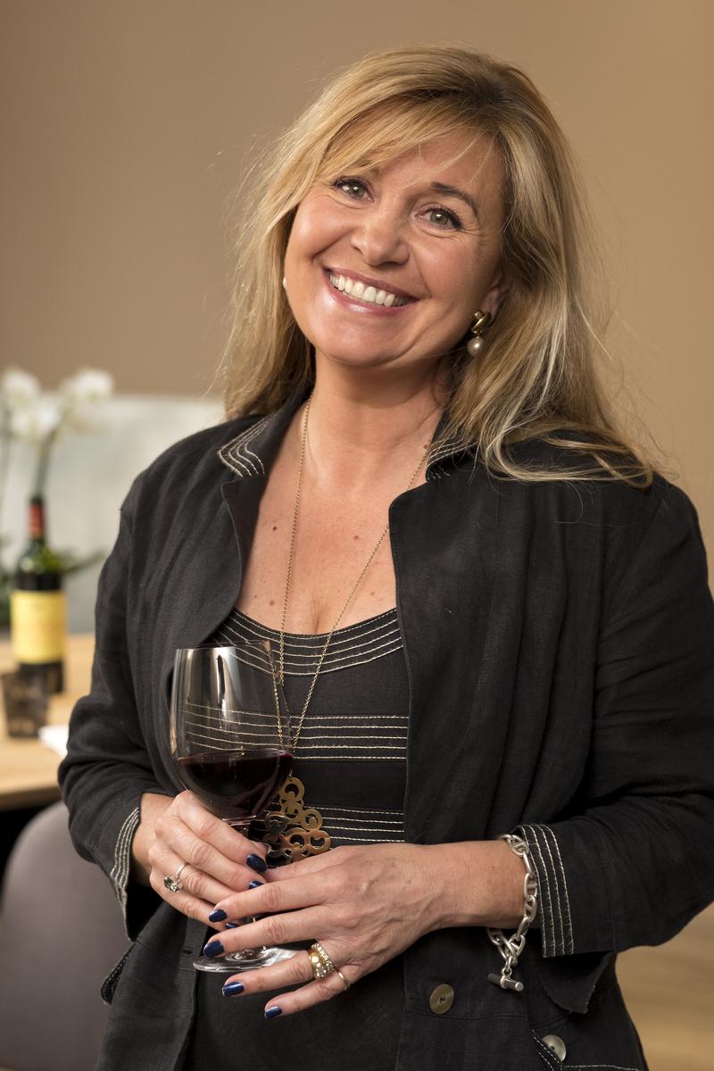Isabelle De Bordeaux - Story